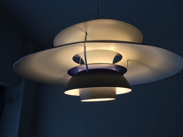 PH5 LEDシェード付けたイメージ