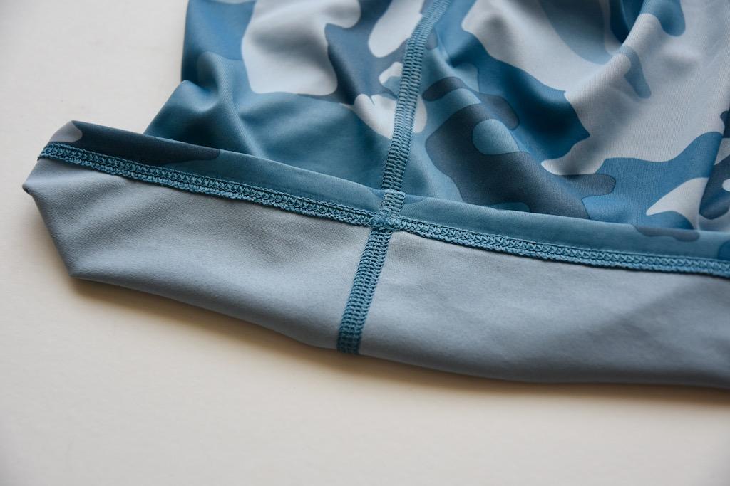 「キャプリーン・クール・デイリー・サン・マスク」の縫い目は気にならない